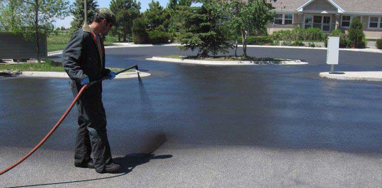 Asphalt Sealcoating & Striping